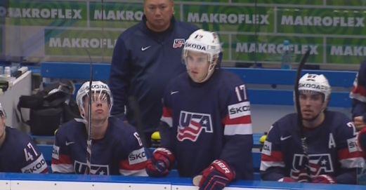 расстроенная команда США после 5 голов от Беларусов